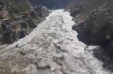 Sông băng ở Himalaya vỡ xuống đập thủy điện, khoảng 150 người nghi thiệt mạng